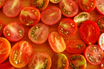 Cut your tomatoes into halves.